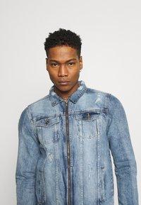 Brave Soul - Giacca di jeans - blue denim - 4
