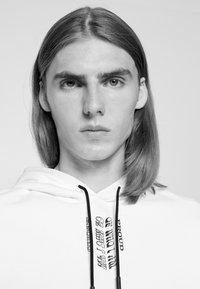 HUGO - DARRETT - Sweatshirt - white - 3