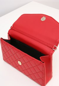Love Moschino - SUPERQUILTED  - Bandolera - rosso - 5