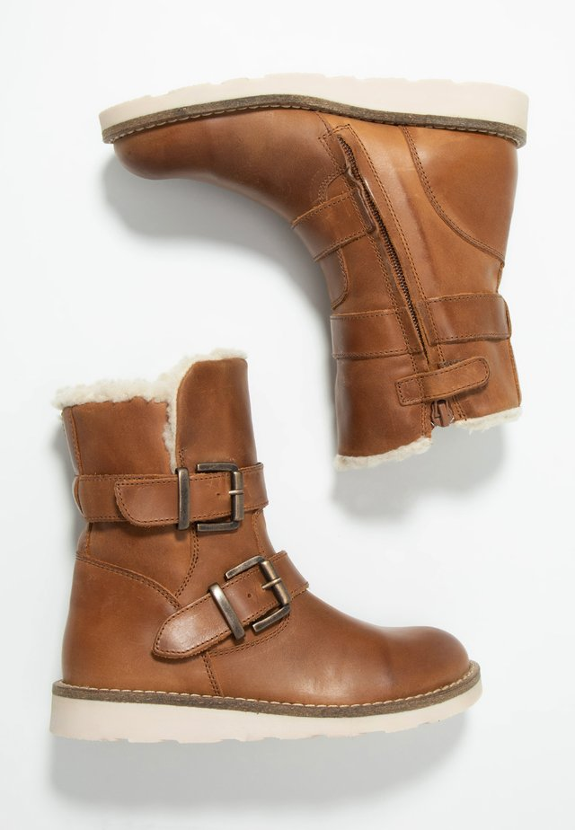Botki - mid brown