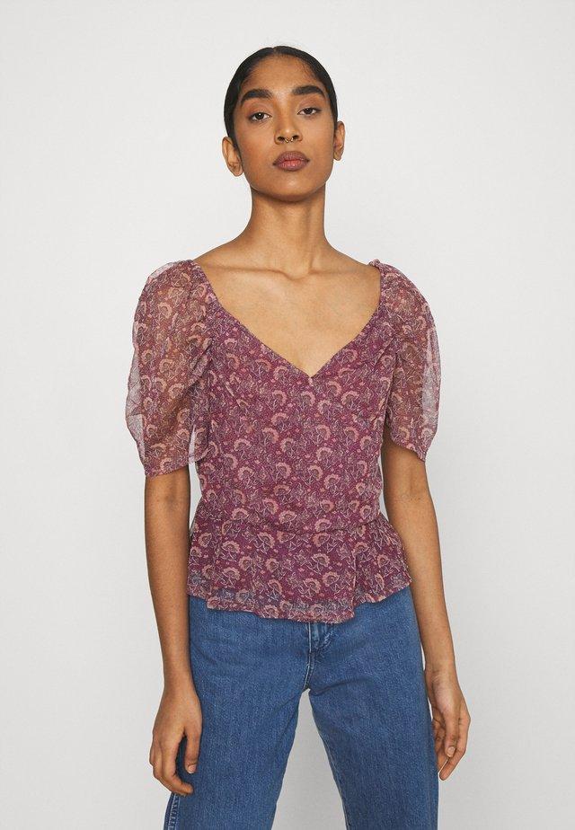 PUFF SLEEVE SURPLICE - T-shirt imprimé - lilac