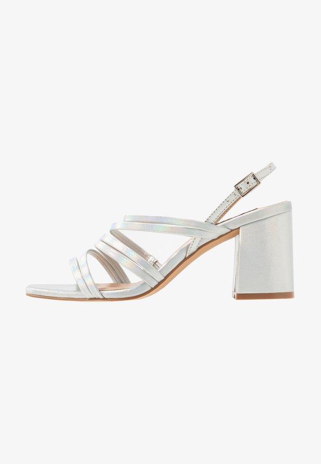 ONLAMANDA STRING HEELED  - Sandals - silver