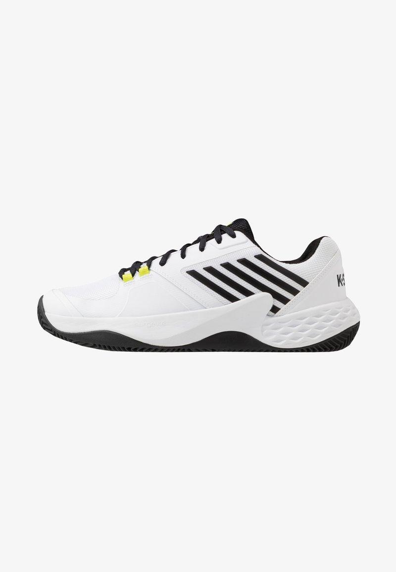 K-SWISS - AERO COURT HB - Clay court tennis shoes - white/black/yellow