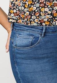 ONLY Carmakoma - CARLAOLA  - Jeans Skinny Fit - light blue denim - 4