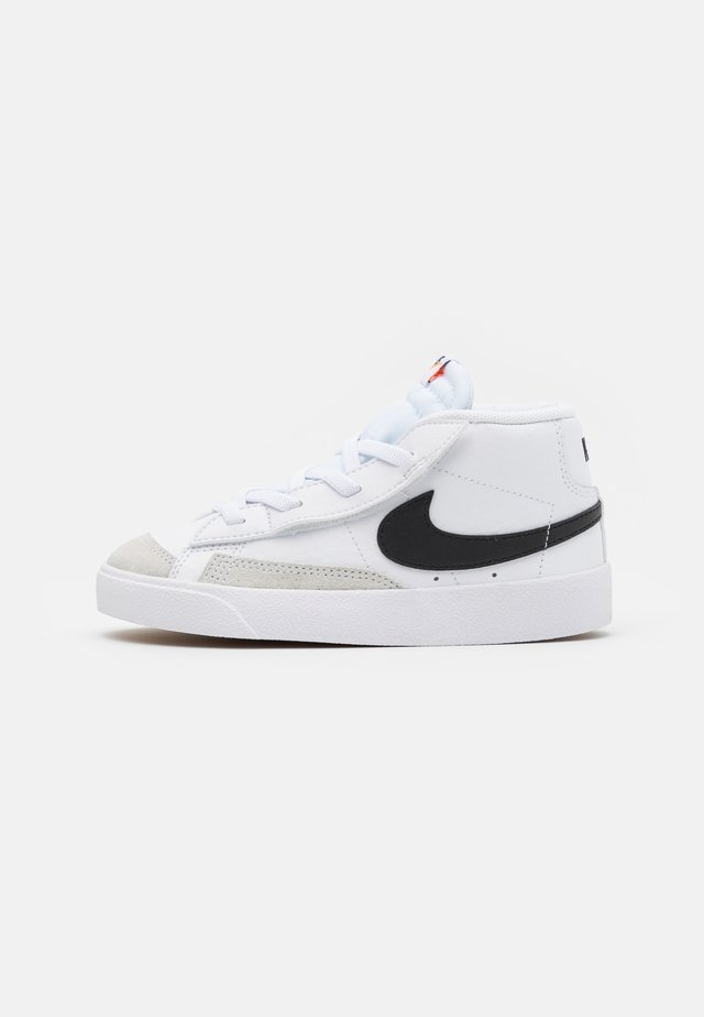 BLAZER MID '77 UNISEX - Sneakers hoog - white/black/total orange