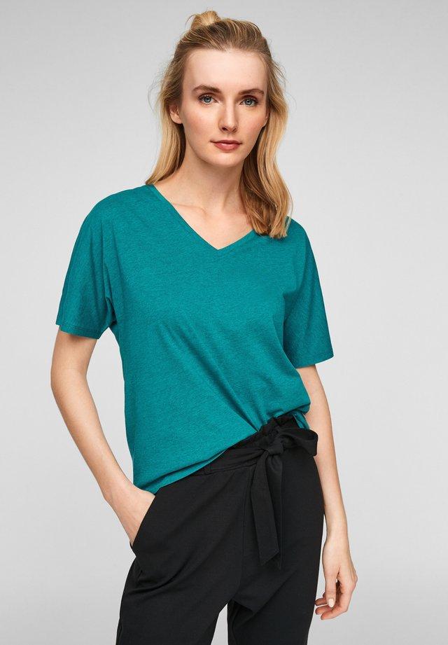 MIT V AUSSCHNITT - Basic T-shirt - petrol melange