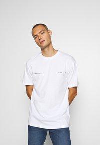 Topman - PALM DEST - Print T-shirt - white - 0