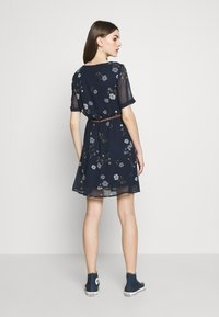 Vero Moda - VMFALLIE BELT DRESS - Kjole - navy blazer - 2