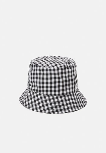 PCLAYA BUCKET HAT - Hat - bright white/black
