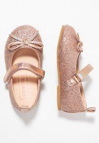 Friboo - Ankle strap ballet pumps - rose gold - 0