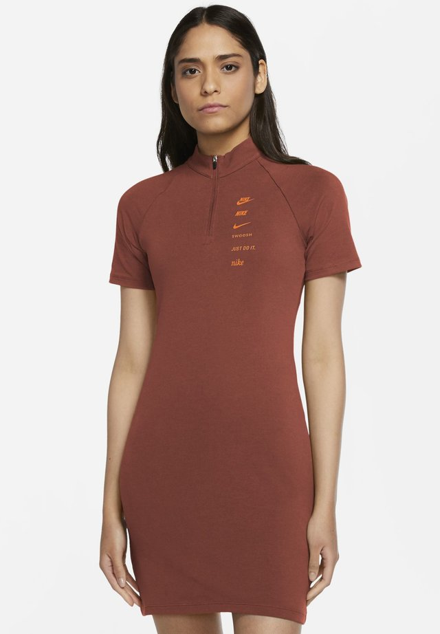 DRESS - Jersey dress - firewood orange/total orange