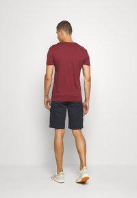 Pier One - Basic T-shirt - bordeaux - 2