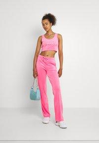Juicy Couture - JADE CROP - Top - fluro pink - 1
