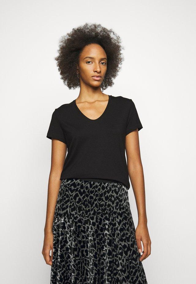 FEVIA - Basic T-shirt - black