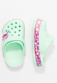 Crocs - FUNLAB UNICORN BAND - Pool slides - neo mint - 0