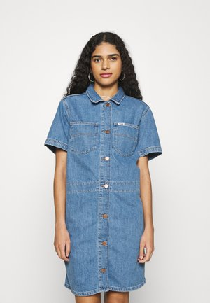 CHORE DRESS - Denimové šaty - sundaze