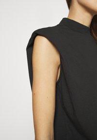 Selected Femme - SLFLEANNE PADDED TEE - Print T-shirt - black - 4