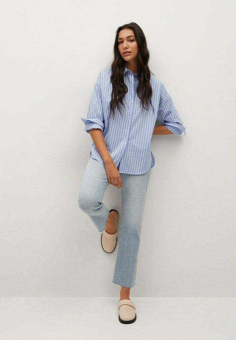 Mango - VERA-I - Button-down blouse - bleu