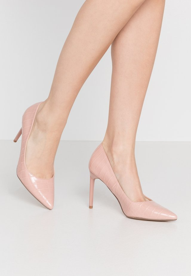 DESIREE SET BACK COURT - High heels - blush