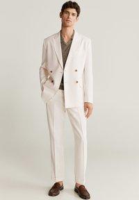 Mango - BRIEN-I - Blazer jacket - weiß - 1