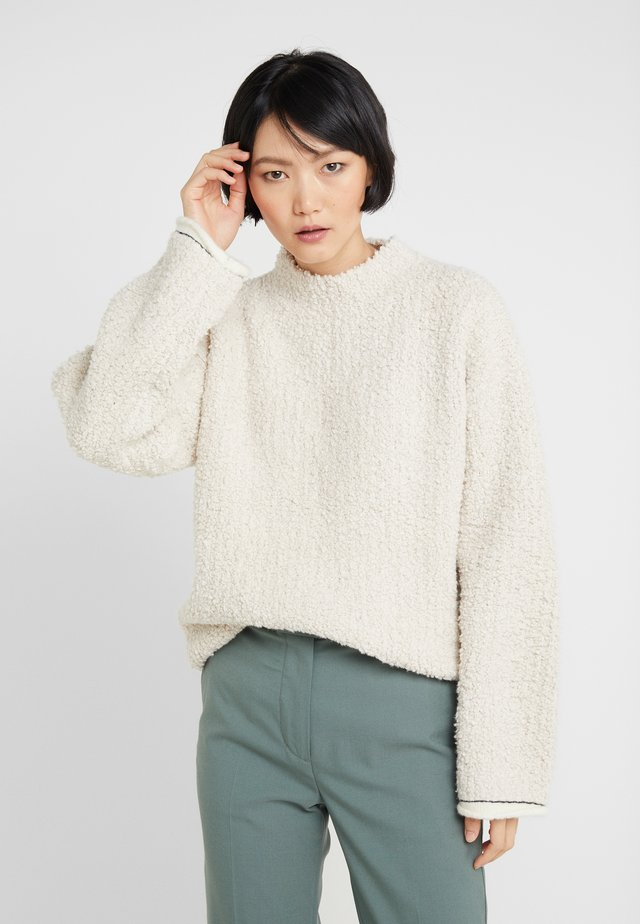 BOUCLE TURTLENECK - Neule - natural
