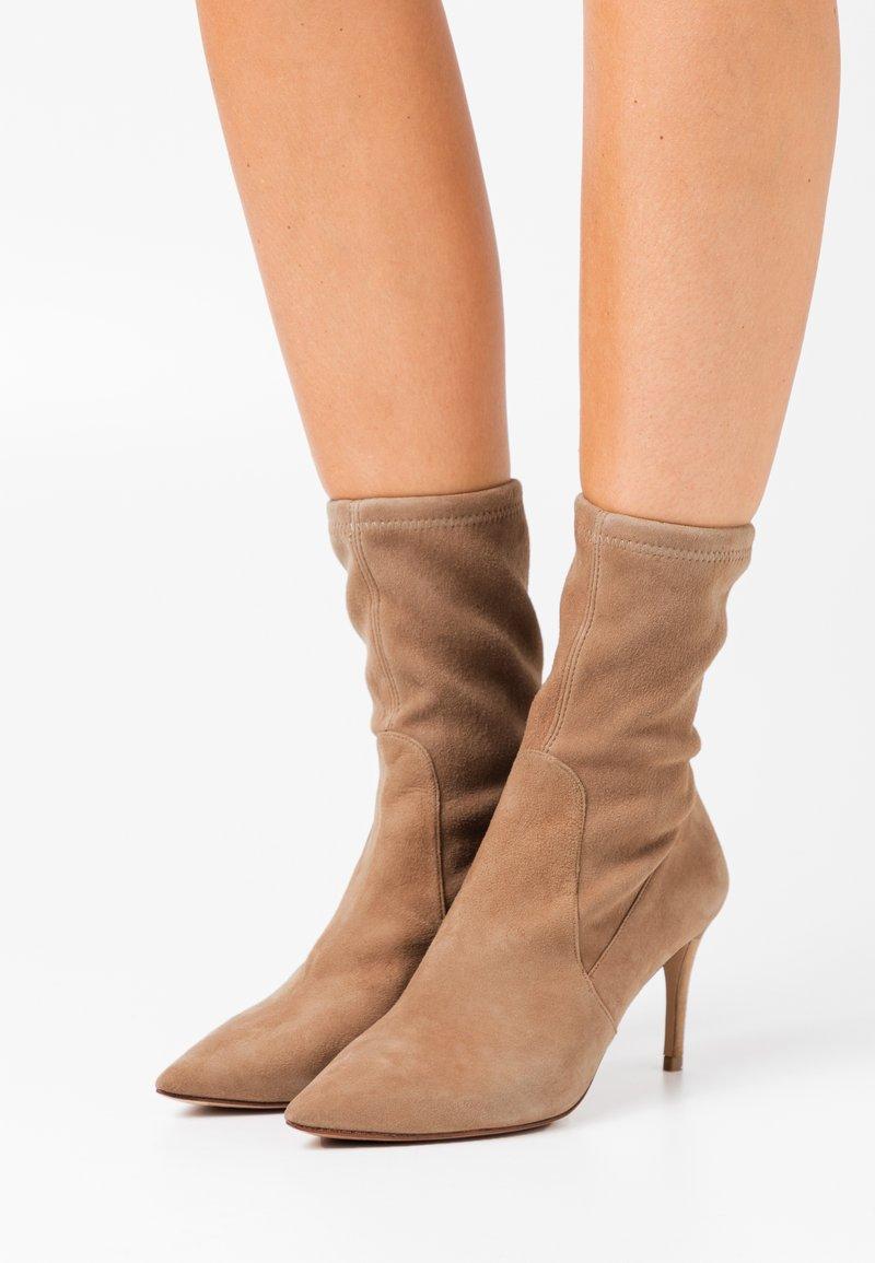 Pura Lopez - Classic ankle boots - montone