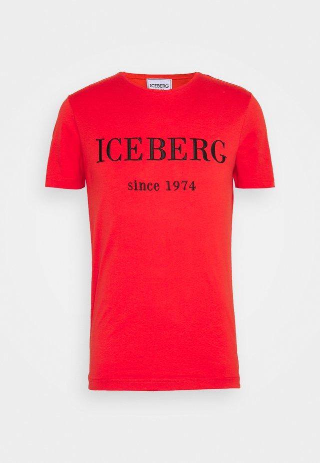 T-shirt print - rosso fuoco