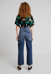 Abrand Jeans - JOSEPHINE SKRIVER A STREET ALINE - Flared jeans - danish blue - 2