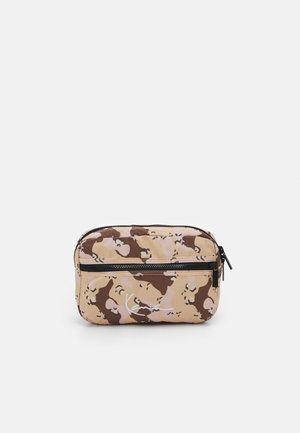 SIGNATURE CAMO HIP BAG UNISEX - Bum bag - beige