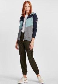 Oxmo - AGGI - Zip-up hoodie - insignia blue - 1