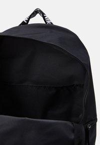 Nike Sportswear - AIR HERITAGE UNISEX - Rygsække - black/iron grey/white - 2