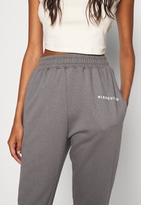 Missguided - BASIC JOGGER - Joggebukse - dark grey - 4