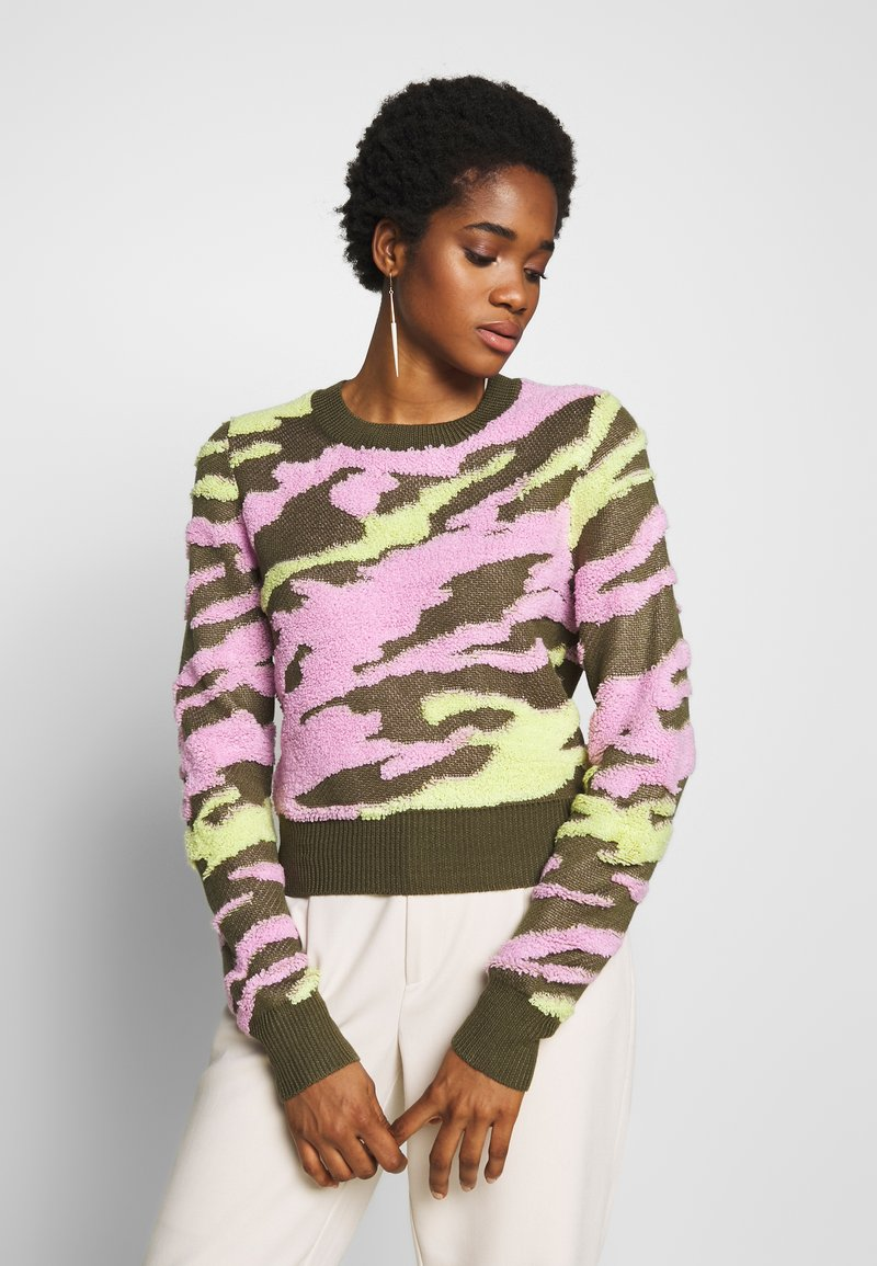 Neuw - UNDERCOVER - Jumper - flamingo military