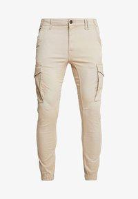 Jack & Jones - JJIPAUL JJFLAKE - Cargo trousers - white pepper - 3