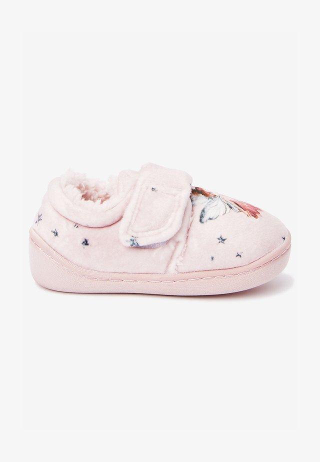 První boty - mottled pink