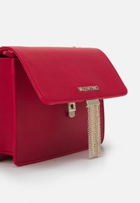 Valentino Bags - PICCADILLY - Across body bag - rosso - 3