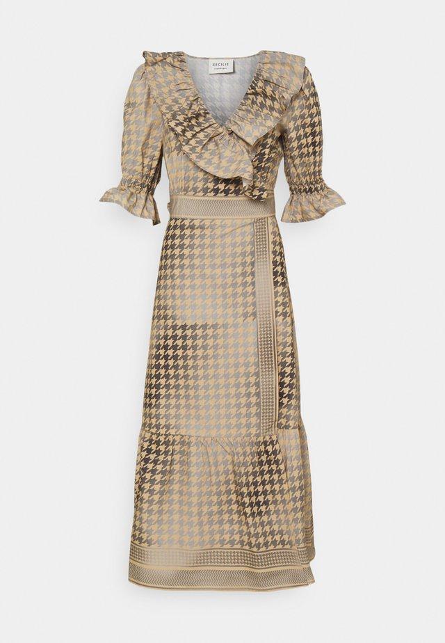 RUBY WRAP DRESS - Sukienka koktajlowa - frost grey