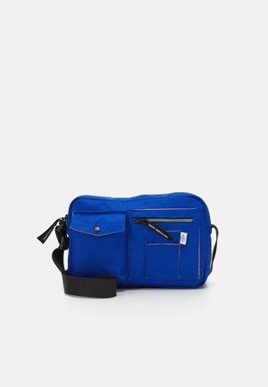 BEL ONE CAPPA UNISEX - Taška spříčným popruhem - blue