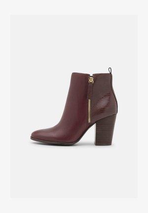 NOEMIEFLEX - Ankle Boot - dark brown