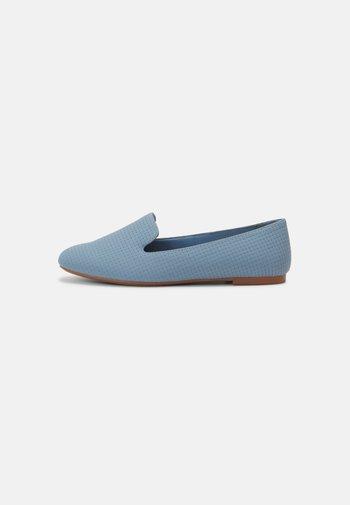 Slip-ons - dusty blue