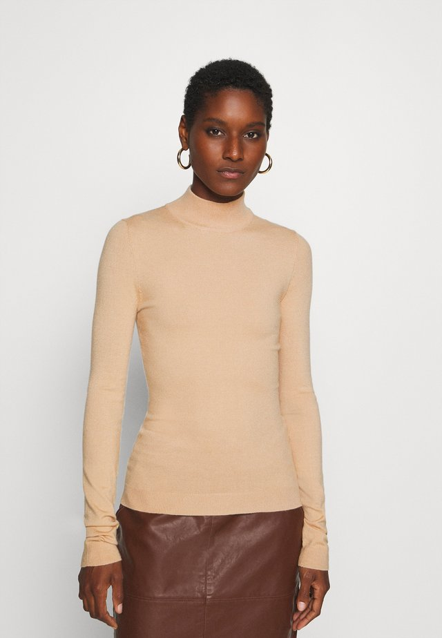 BASIC- Perkin neck jumper - Jumper - sand