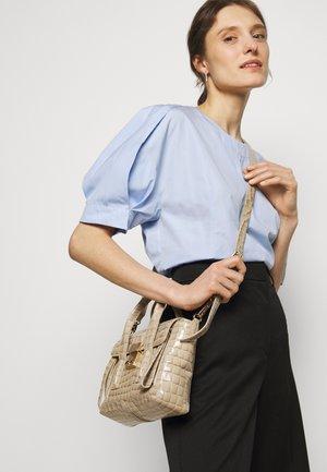 PASHLI MINI SATCHEL - Handbag - dune