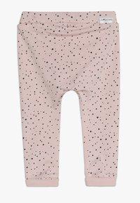 Noppies - PANTS COMFORT BOBBY - Pantalon classique - pink - 1