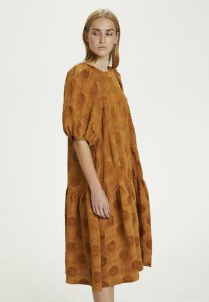 HANA - Day dress - brown sugar