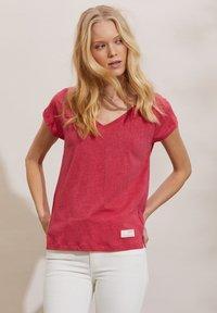 Odd Molly - BETH - Basic T-shirt - pink fudge - 0
