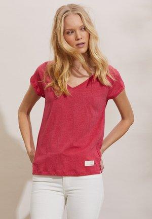 BETH - Basic T-shirt - pink fudge