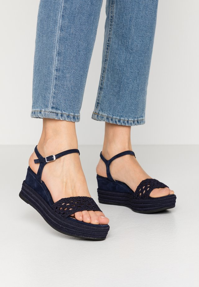 KISOME - Korkeakorkoiset sandaalit - ocean