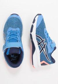 ASICS - GT-1000 9 UNISEX - Stabilní běžecké boty - blue coast/peacoat - 0