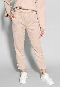 Riquai Clothing - Trousers - beige - 0