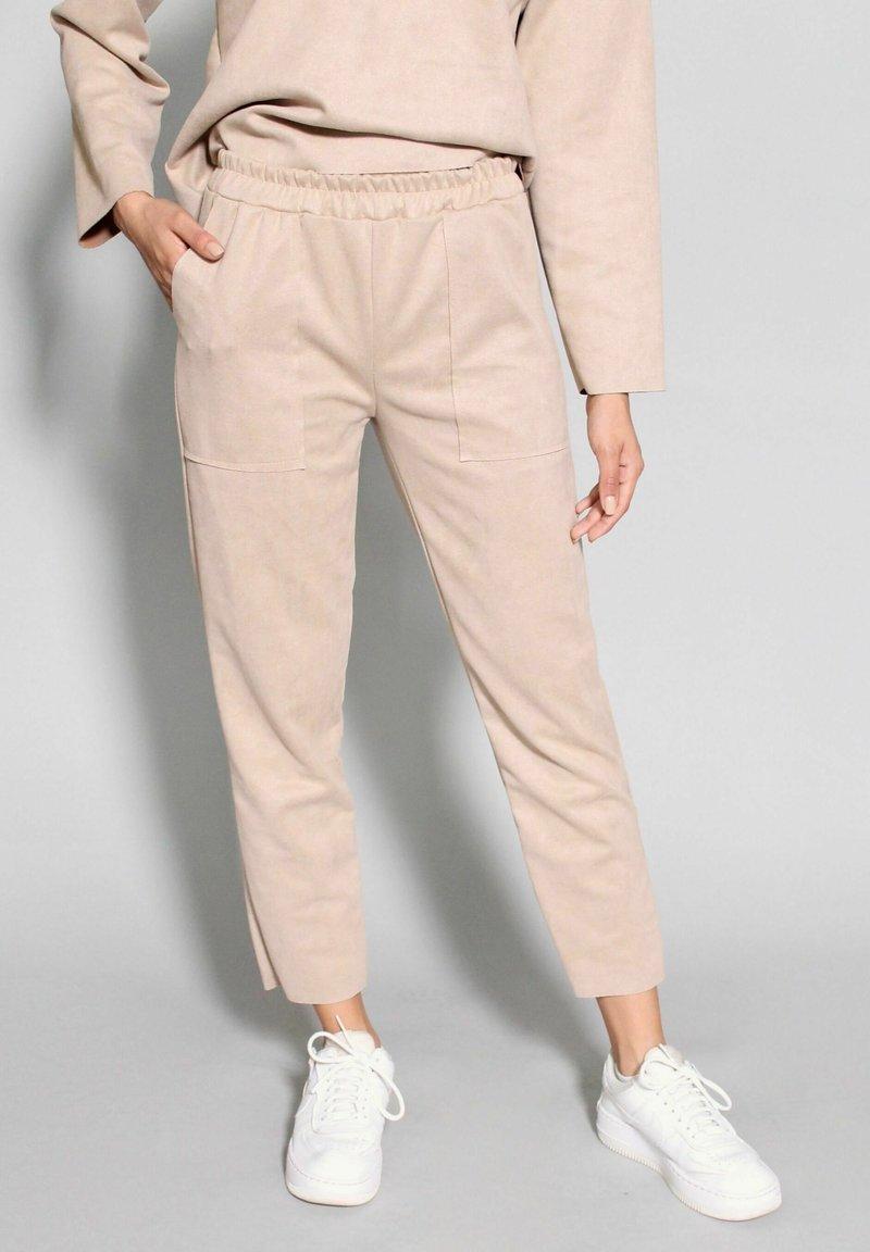 Riquai Clothing - Trousers - beige